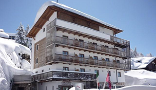 Monte Bondone - Hotel Chalet Caminetto ***